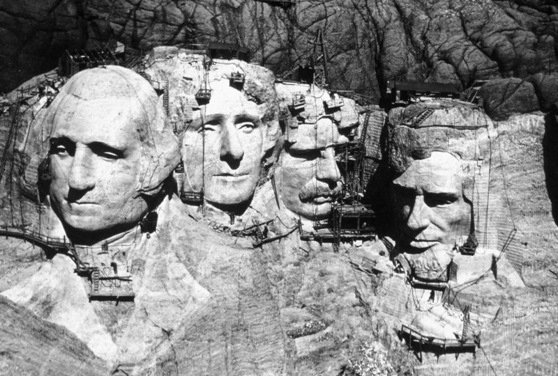Building-mount-rushmoremount-rushmore-mallory-laughlin-eurcbvvq